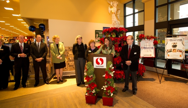 Safeway's newest store, marking its 1st week of operation ...